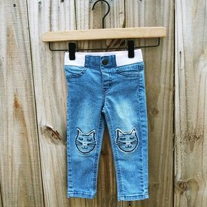 2T Cat & Jack Embroidered. Kitty Jeans